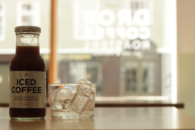 Drop Coffee - iced coffee with cubes