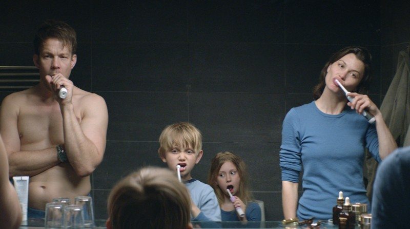 Force Majeure still - family brushing teeth